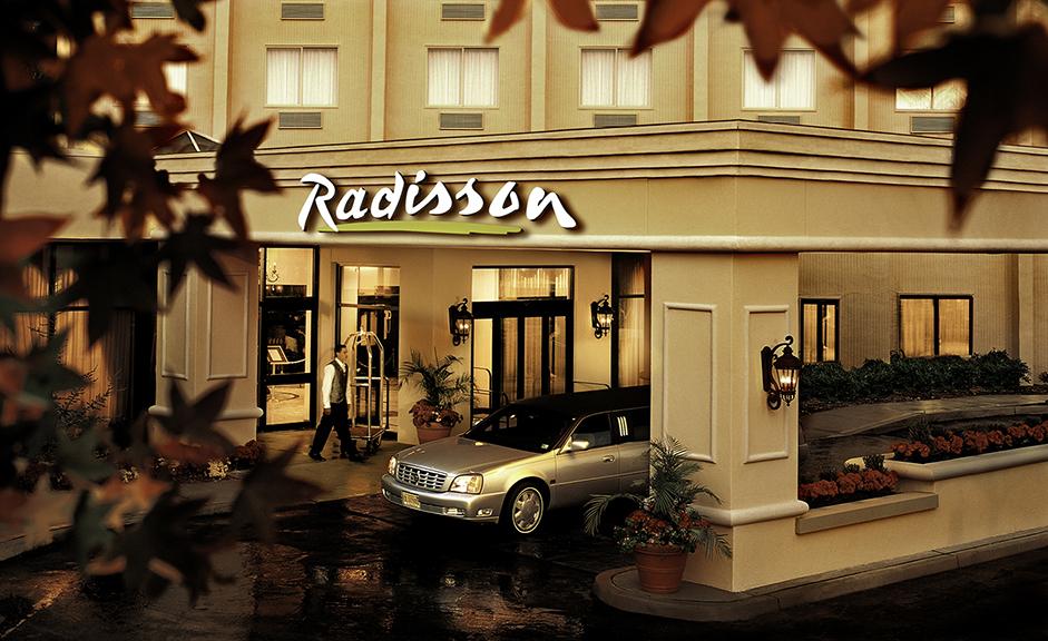 12_radisson_ext.jpg