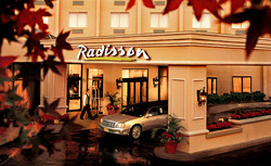 12_radisson_ext.jpg