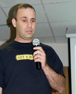 Meron giving a talk, Ein-Geddi 2010