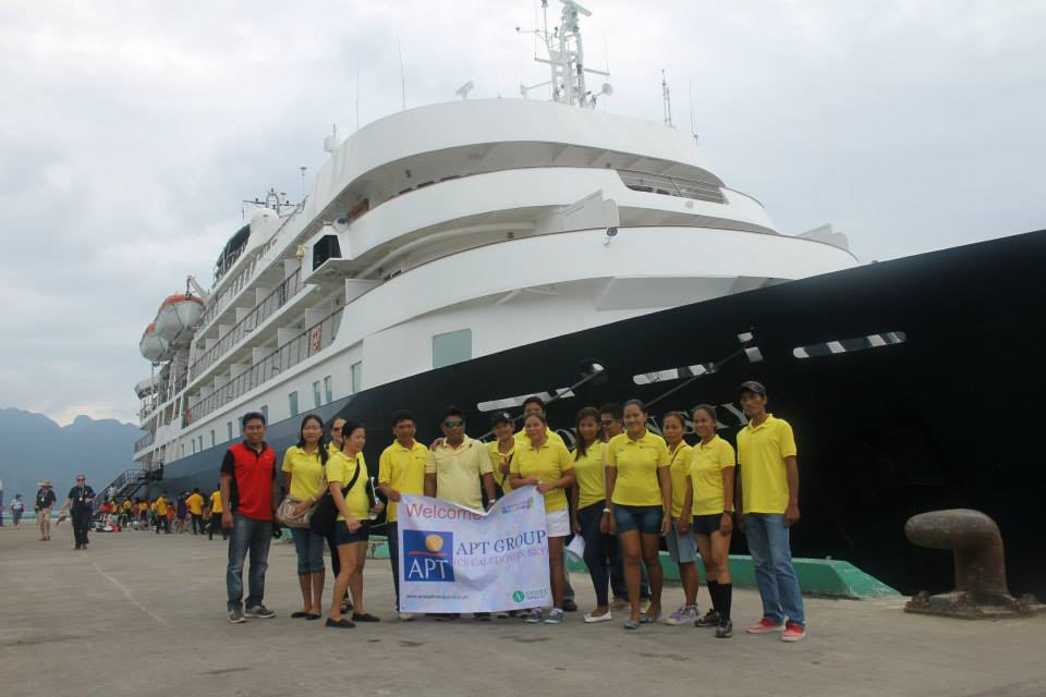 coron cruiseship caledonian sky