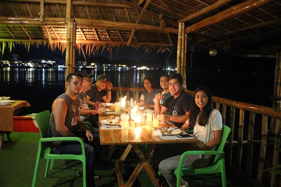 Coron-Palawan-Floating-Resto