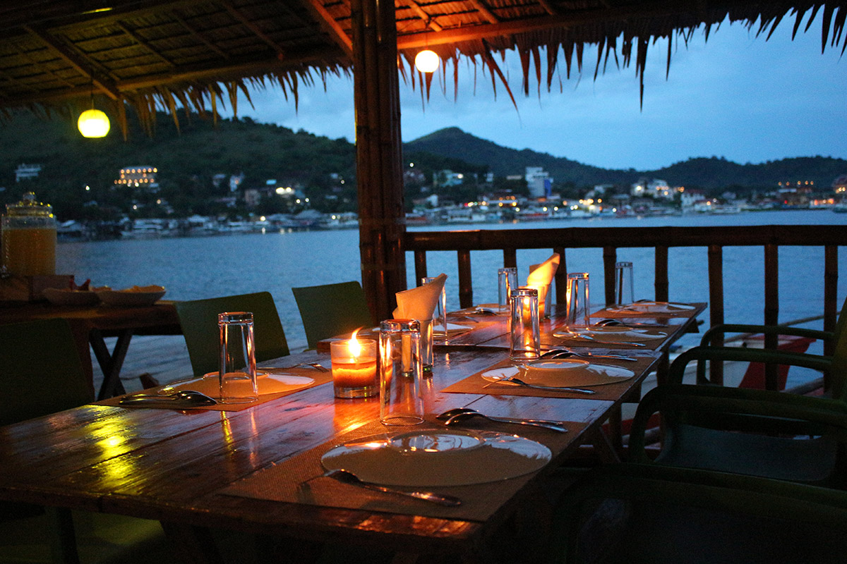 Coron-Panget-Floating-Restaurant