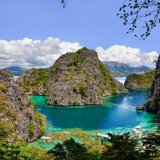 Kayangan-Lake-Coron-Palawan-Philippines.