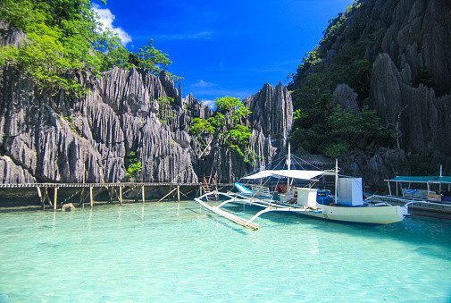 barracuda lake coron palawan tours and p