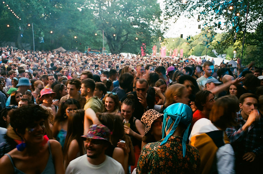 crowd, couple kissing, trees