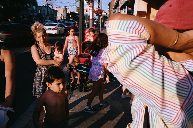 Street scene, elbow, mum with child