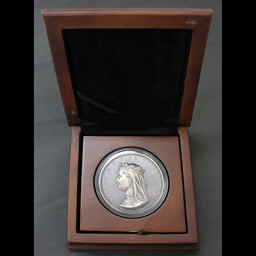 最後の1個入手 希少!!2017年発行のカナダ建国150周年記念銀メダルーアンティーク・バージョン!!!の複製