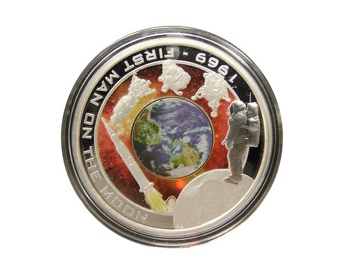 月の地を初めて踏む偉業を讃える銀貨