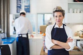 Kadın Aşçı