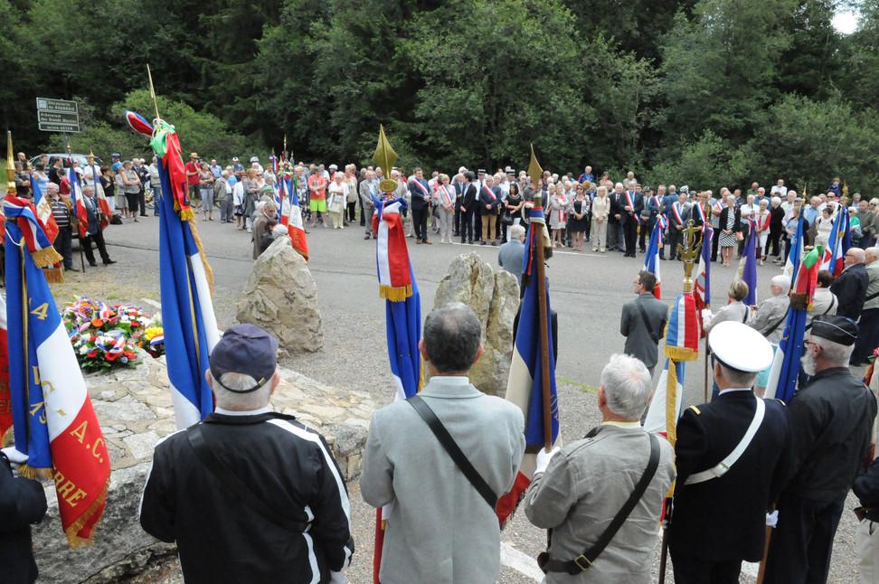 Vidéo : le chant des partisans joué pour honorer les Résistants du Gué de la Chaux
