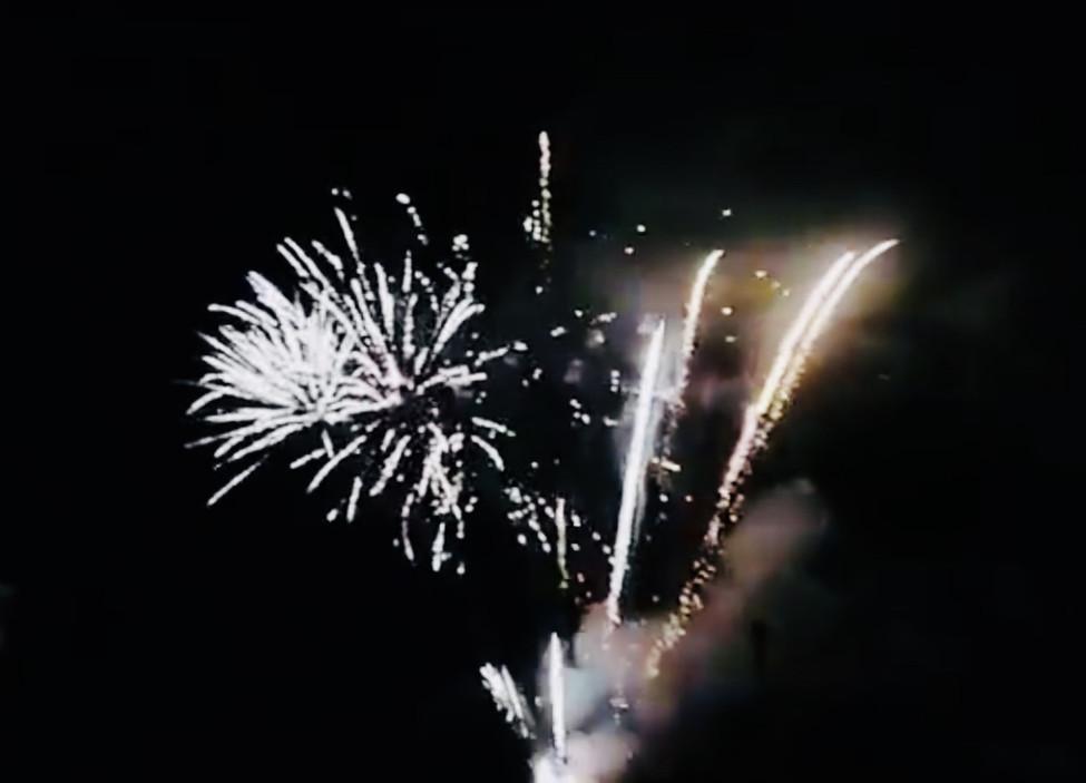 Dans le ciel, des étoiles brillaient pour la fête patronale de Saint-Just-en-Chevalet
