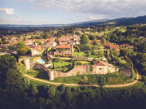 Saint-Haon-le-Châtel : une commune coup de coeur (Tour touristique du Roannais)