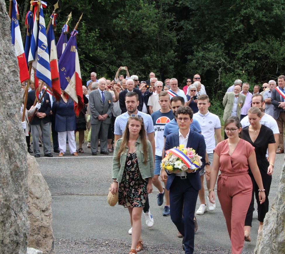 Gué de la chaux : pour la première fois, des jeunes ont rendu hommage aux Résistants tombés en 1944