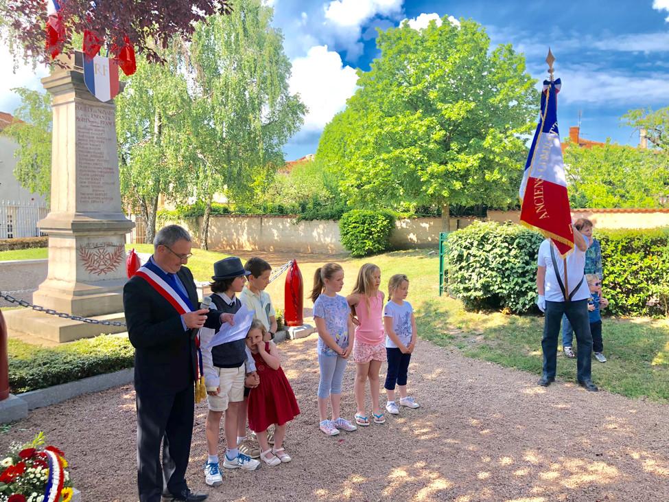 Photos : lescérémonies du8 mai 1945 dans votre commune !