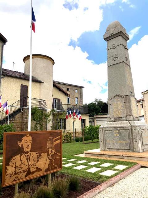 Un hommage original au Général de Gaulle à Renaison