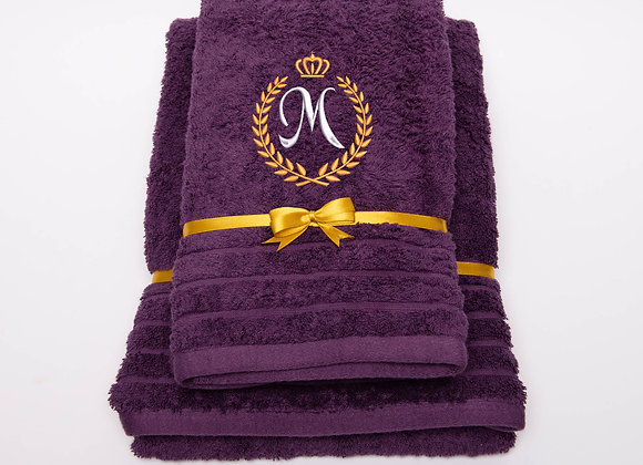 Embroidered towel with one letter