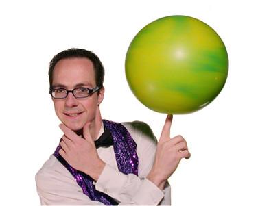 Science Circus' Rhys Thomas
