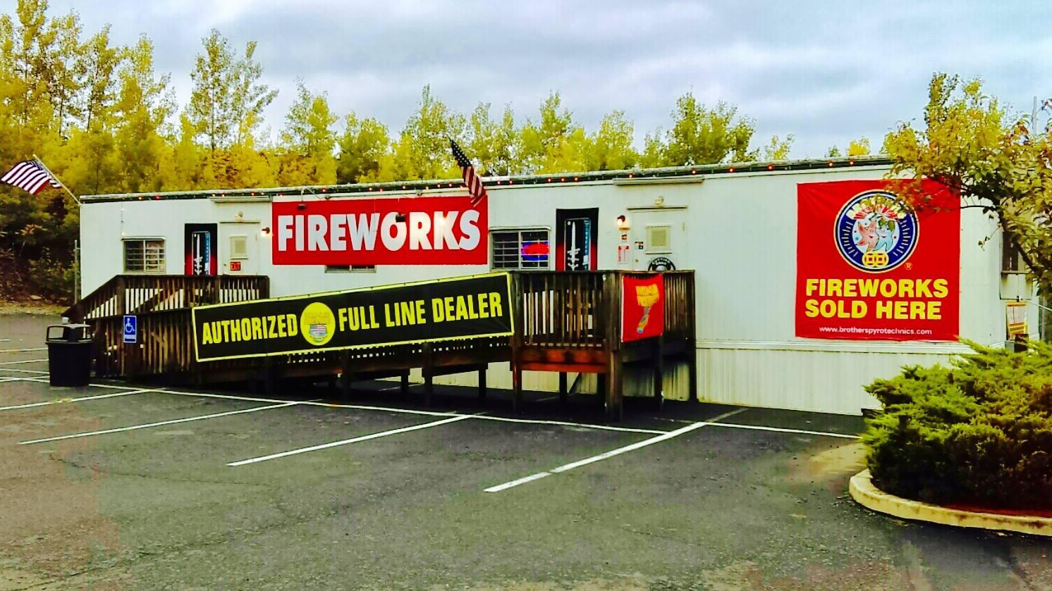 FIREWORKS OUTLET | EAST STROUDSBRUG