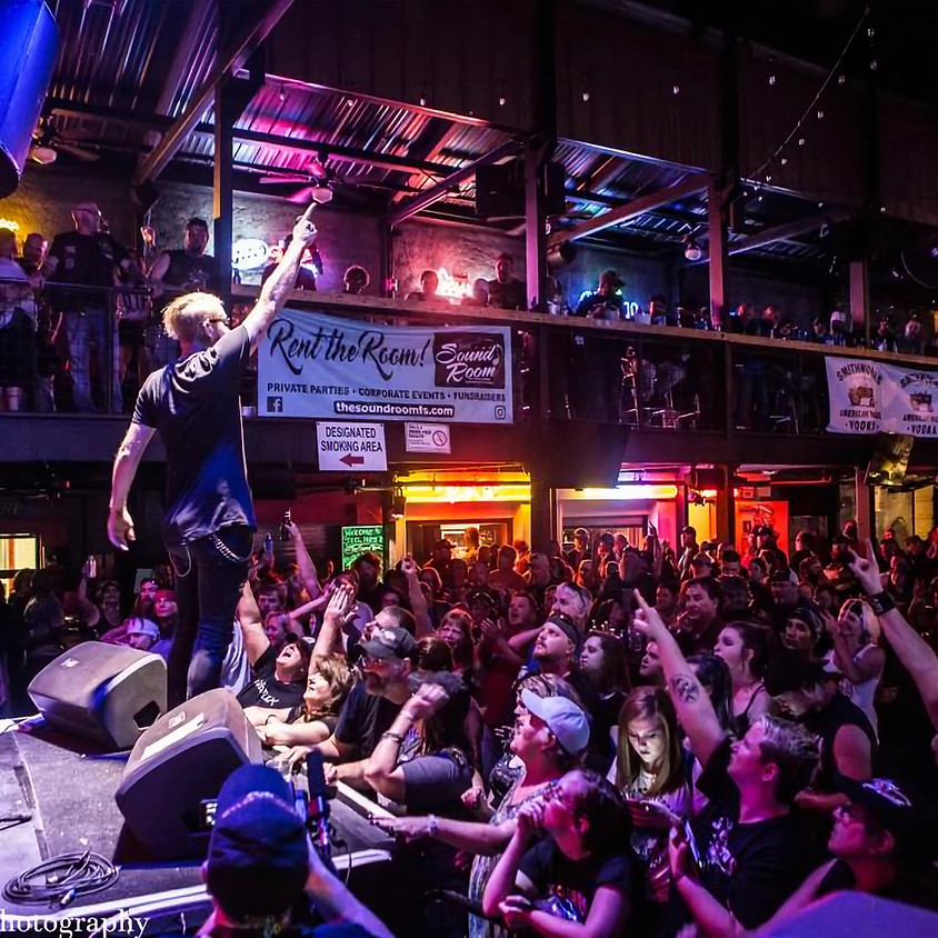 FORT WAYNE, IN – Shallow Side @ Rockstar Lounge