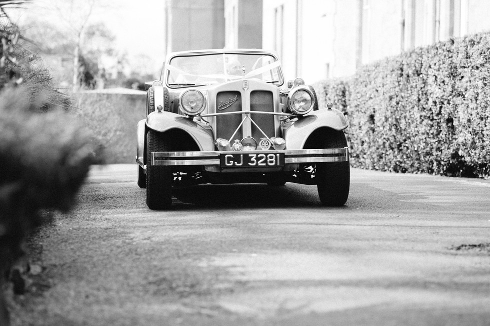 wedding photographer edinburgh fun happy bride groom old car