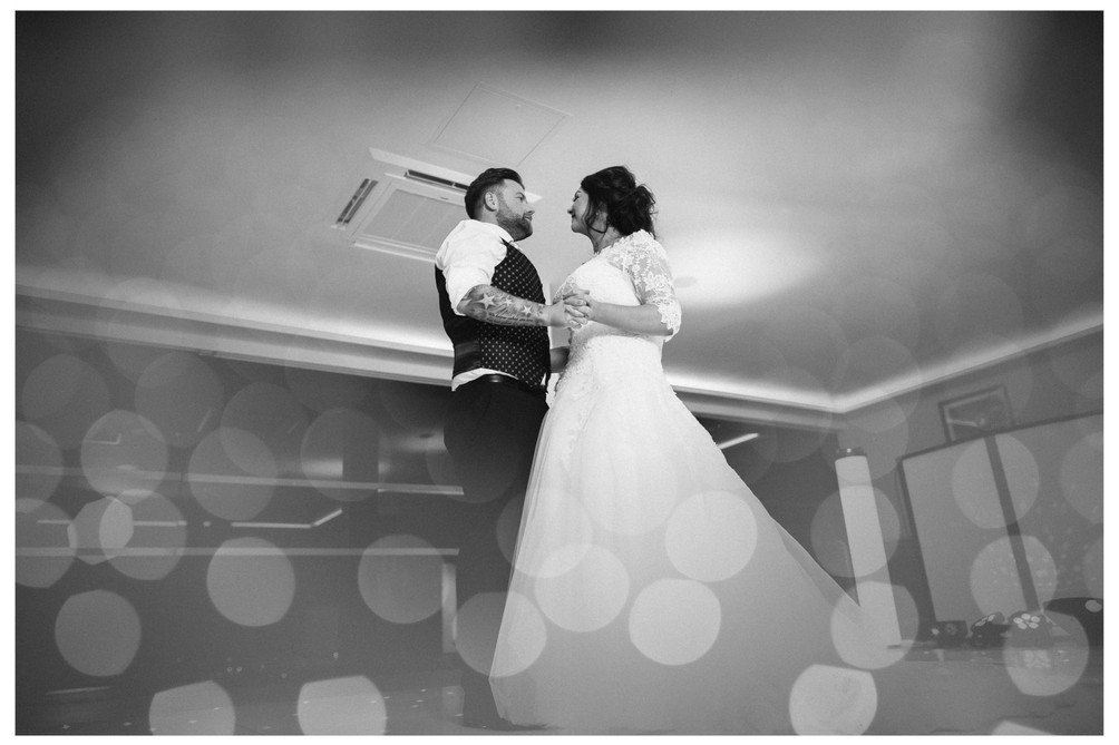 wedding photographer edinburgh fun happy bride groom first dance