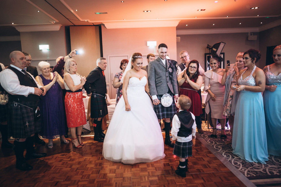 wedding photographer edinburgh fun happy children love canon 5d
