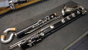 Customização para extensão tonal             (Low C) de um clarinete baixo Noblet.
