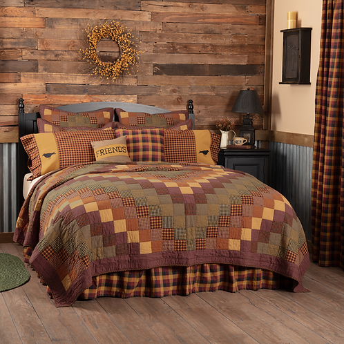 COUNTRY FARMHOUSE HERITAGE FARMS QUILT SET