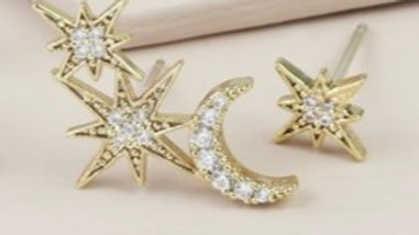 Mismatched Star Earrings