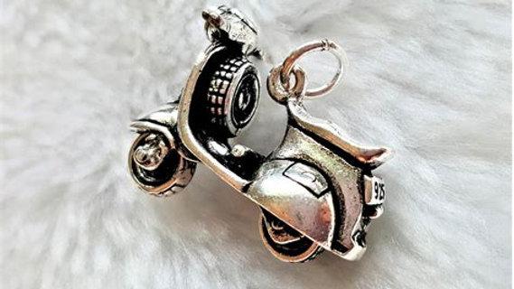 Silver Vespa Pendant