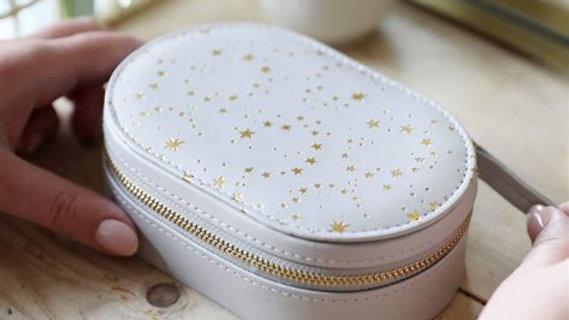 Lisa Angel Star Oval Jewellery Box