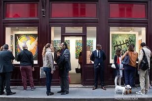 Фотограф на вернисаж в Париже