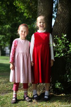 Две сестренки