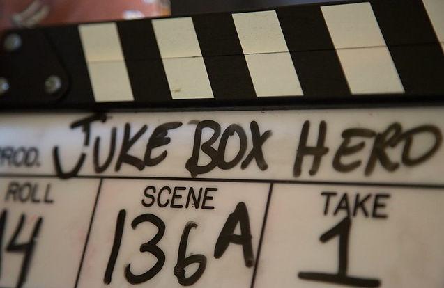 Juke Box Hero Clapper