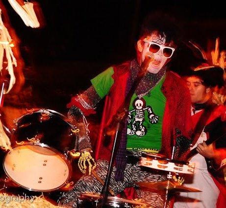 Drumming/singing @ Halloween parade