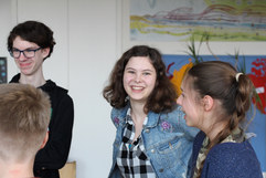Die Oberstufen-Schüler bei einer Theaterprobe