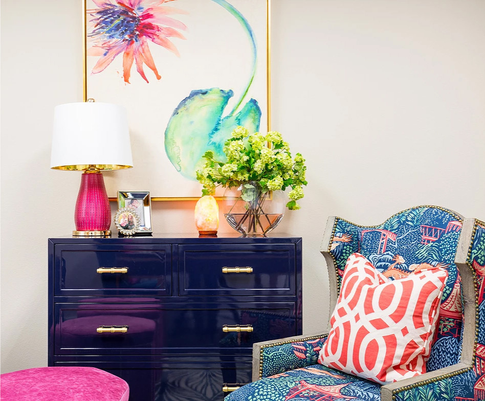 This vignette doesn't have any animal skin patterns, but I loved the colours and the mixing of patterns. :-) Image: veronicasolomon.com