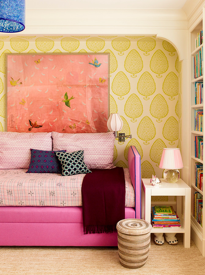 This lively colour scheme creates such a cozy little nook. I always love pink and green together, because the colour combination reminds me of spring! Image: Katie Ridder www.katieridder.com