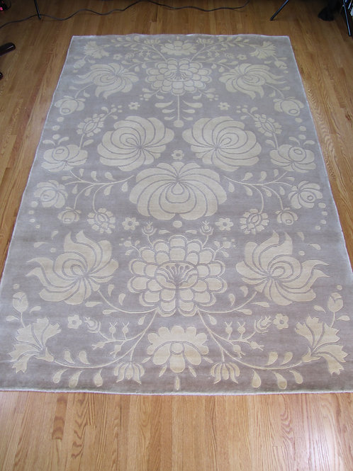 Hungarian Folk pattern beige hand-knotted New-Zealand wool custom area rug at Judit Gueth Design in Toronto,  sample sale 5x8
