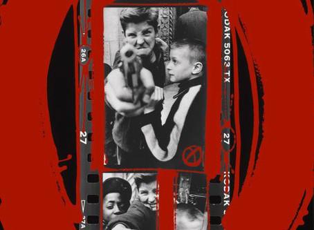 L'«ANTIFOTOGRAFIA», LIBERA DALLE REGOLE, DI WILLIAM KLEIN