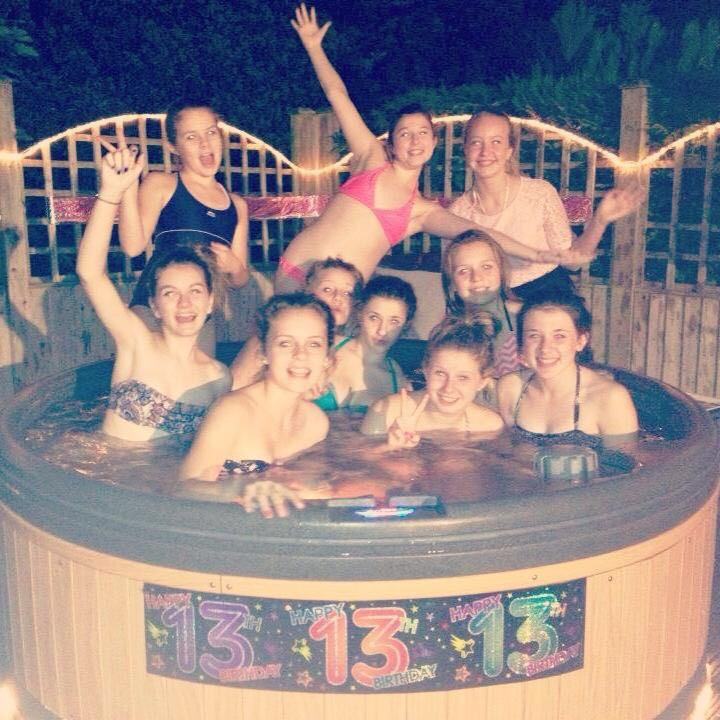 EVERYONE LOVES HOT TUBS