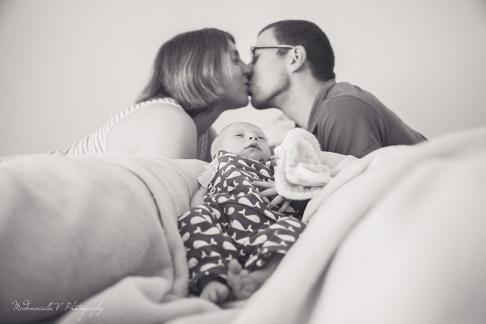 Photo Parents enfants naissance bébé