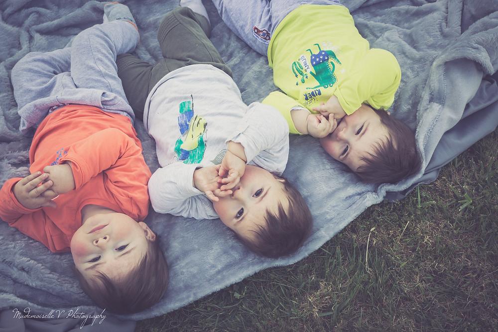 Séance Photo enfants triplés couleur