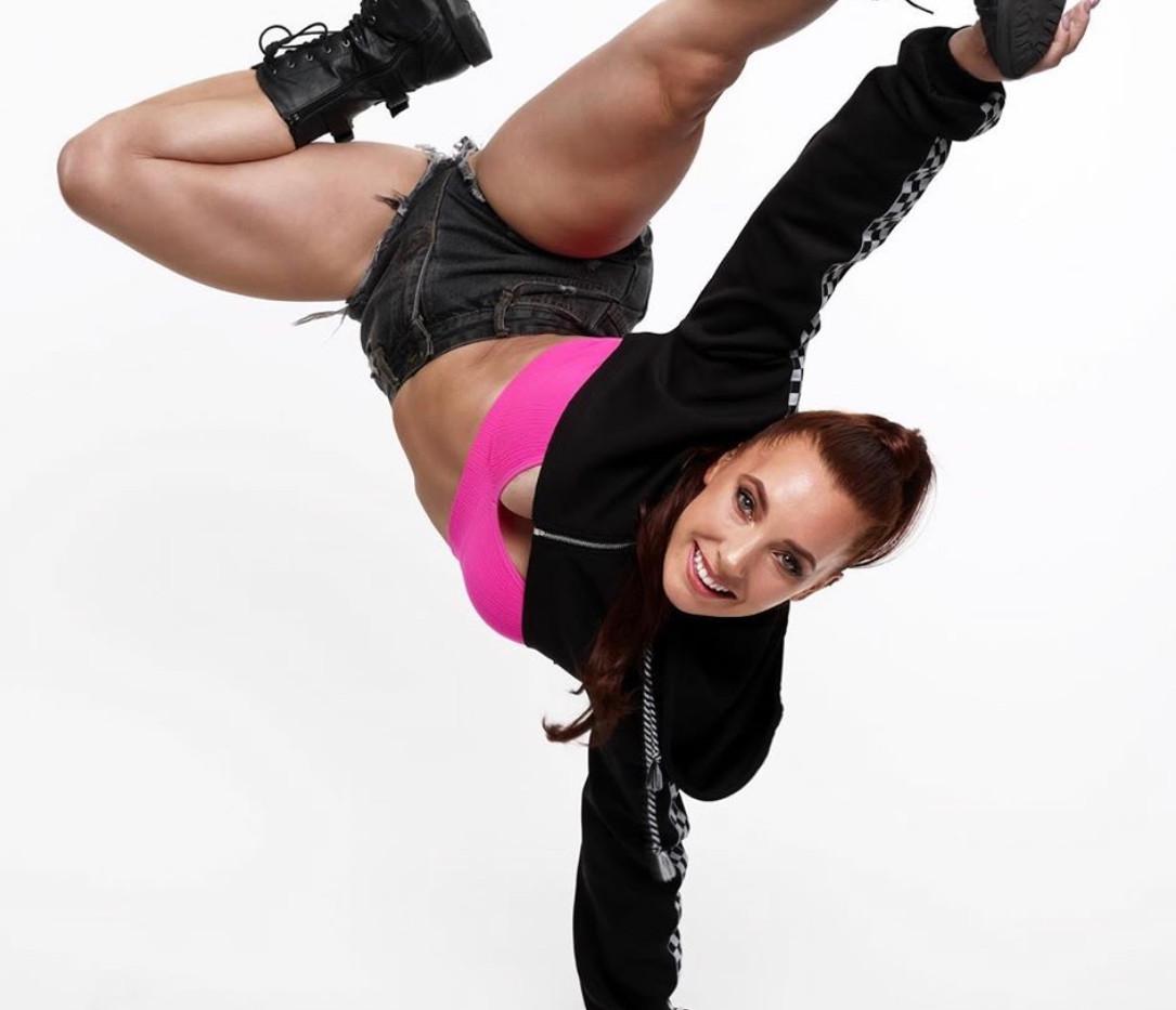 Dancer- Lisa Kap