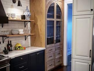 Custom Kitchen & Cabinet