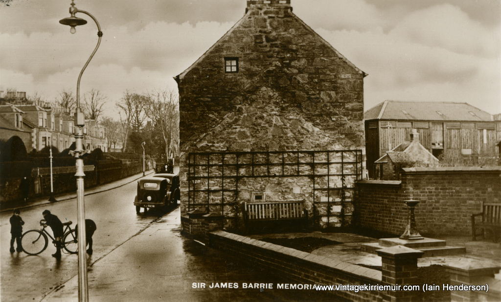 Sir James Barrie Memorial, Kirriemuir