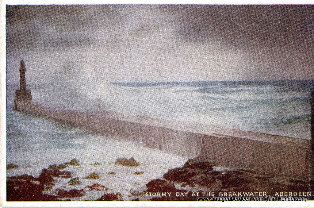 Stormy day at the breakwater, Aberdeen