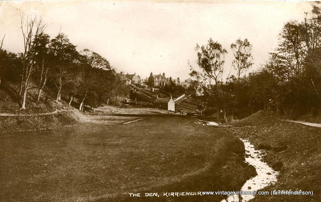 The Den, 1928