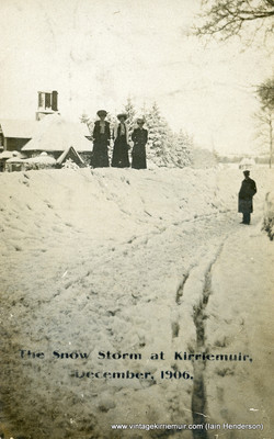 Snow storm at Kirriemuir (1906)