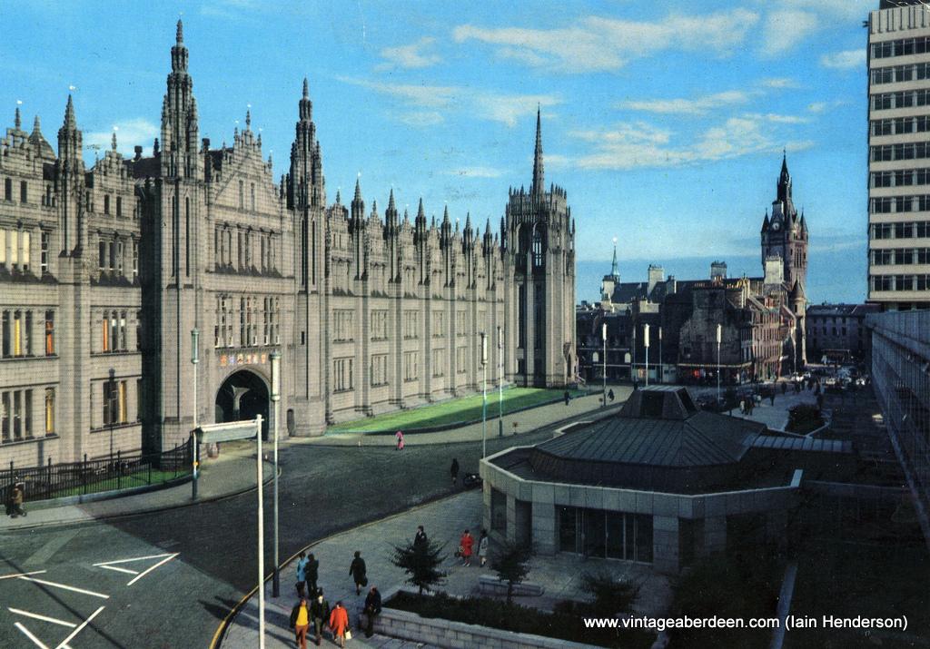 Marischal College, Aberdeen (1977)